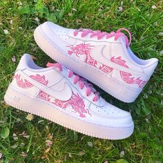 Pink Dragon Air force 🐉 by customedaf Dr Shoes, Cute Nike Shoes, Swag Shoes, Cute Sneakers, Hype Shoes, Sneakers Rose, Shoes Sandals, Nike Air Force One, Nike Shoes Air Force
