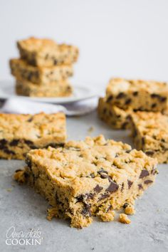 Peanut Butter Chocolate Chunk Bars recipe for when you just need a good ole peanut butter and chocolate cookie bar!