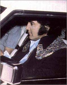 {*Sexy Elvis*}