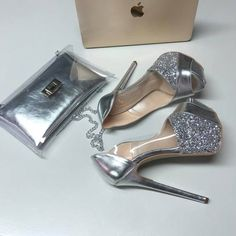 Hot High Heels, Glitter Shoes, Cute Sandals, Winter Boots, Fashion Shoes, Footwear, Classy, Platform Bed, Stay Warm