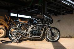 Suzuki GS500 Cafe Racer - H2 Moto. Una de las mejores construcciones con la base de la Suzuki GS500 transformada a Cafe Racer. DESCÚBRELA