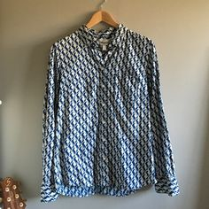 J. Crew seahorse button down shirt Like new! Navy blue with ivory seahorse print. 55% linen 45% cotton. Size 4. J. Crew Tops Button Down Shirts