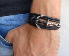 Bracelet noir Mens bijoux Bracelets pour homme par Galismens Bracelet Ancre  Homme, Bracelet Hommes, 7e4d7ec705fe