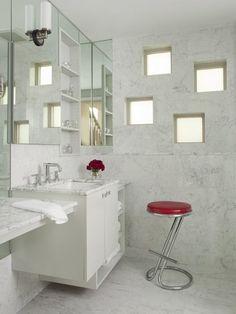 Resultado de imagem para como decorar banheiro com tijolo de vidro