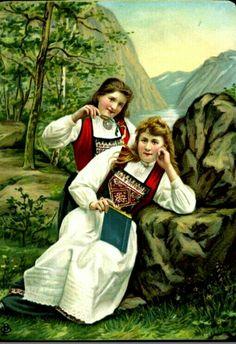 2 damer i Hardangerbunad tidlig 1900-tallet Arctic Circle, Lofoten, Antique Photos, Traditional Dresses, Norway, Mona Lisa, Poster, Antiques, Artwork