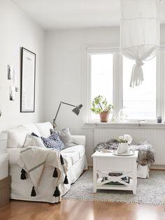 Les petites surfaces du jour : du blanc et des pompons