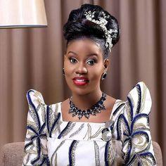 African Wear, Crown, How To Wear, Jewelry, Fashion, Moda, African Fashion, Corona, Jewlery