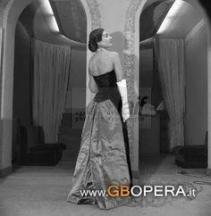 Maria callas: Atelier Elvira Biki a Milano, Via Saint Andrea fin...