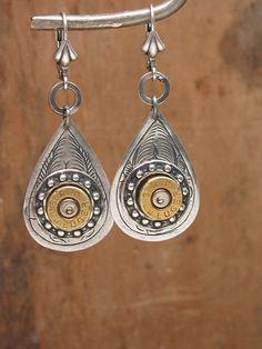 Bullet Casing Jewelry Teardrop Antique Silver by thekeyofa Bullet Shell Jewelry, Shotgun Shell Jewelry, Bullet Casing Jewelry, Ammo Jewelry, Bullet Earrings, Metal Jewelry, Silver Jewelry, Jewelry Necklaces, Diy Jewelry