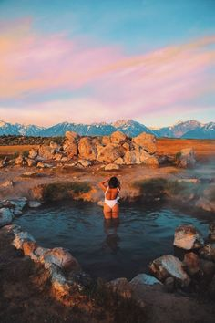 How To Get to Mammoth Lakes Hot Springs - Justina Vanessa Take a dip in this heart shaped hot spring located near Mammoth Lakes. San Diego, San Francisco, Palm Springs, Hot Springs, Mammoth Lakes California, California Travel, Big Sur California, Fort Bragg, The Places Youll Go