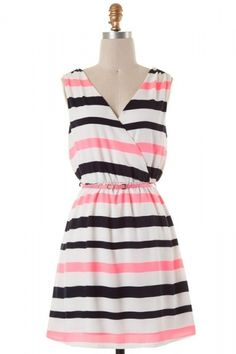 Sleeveless V-cut stripe detailed woven dress with belted waist