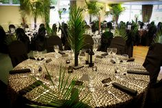 Jungle themed dinner party - all this needs are some Jaguar Blanc place settings!