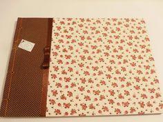 Álbum para fotos artesanal em encadernação com costura japonesa.