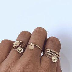 pinterest @golnazahmadieh <3 Dainty Jewelry, Heart Jewelry, Cute Jewelry, Trendy Jewelry, Jewelry Box, Jewelry Rings, Jewelry Watches, Gold Jewelry, Ring Set