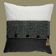 Stoer in grijstinten met breisel Maat: 50x50