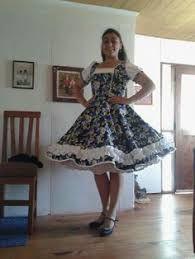 Resultado de imagen para lorena catalan vestidos de cueca Flower Dresses, Dance Dresses, Vintage Dresses, Vintage Outfits, Full Skirts, Cute Fashion, Women's Fashion, Girly Girl, Dress Skirt