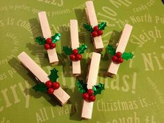 Holly Berries, Bamboo Clothes Pins, Christmas Tree Ornament, Paper Pin, Decoration, Package Topper, Gift Wrap, Tag Holder, Card Holder