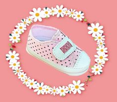 Charmoso e com o velcro, deixe os pequeninos pezinhos mais graciosos com este lindo tênis. Confiram a promoção e os tamanhos disponíveis!