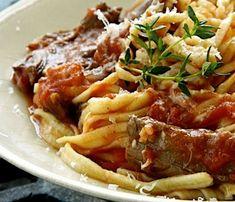 Sugo d'agnello (lamb sauce) and pasta looks good Pork Recipes, Pasta Recipes, Dinner Recipes, Cooking Recipes, Lamb Pasta, Italian Snacks, Lamb Sauce, Lamb Ragu, Slow Cooked Lamb