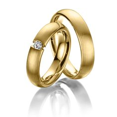 Wedding rings 123gold MyStyle, Yellow gold 585/- Width: 5.00 - Height: 2.40 - Stones: 1 brilliant cut diamond 0.12 ct. tw, si (Ring 1 with stone, Ring 2 without). All wedding rings can be configured individually to your exact specifications.