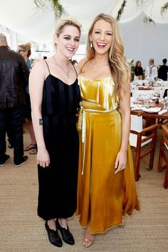 Kristen Stewart et Blake Lively enceinte complices à Cannes 2016