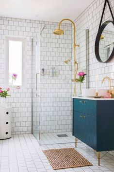 People try the best little bathroom ideas for their tiny bathroom solutions ., People try to find the best little bathroom ideas for their tiny bathroom solutions . Double Sink Bathroom, Bathroom Sink Vanity, Master Bathroom, Dyi Bathroom, Bathroom Inspo, Navy Bathroom, Bathroom Plans, Bathroom Mirrors, Bathroom Cabinets
