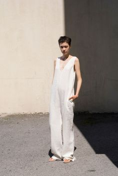 Nomia Spring 2015 Ready-to-Wear Fashion Show Outfit Jeans, Looks Style, Style Me, Fashion Show, Fashion Outfits, Womens Fashion, Style Fashion, White Jumpsuit, Jumpsuit Style