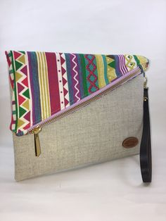 Sewing Purses Clutch Bag Patterns 44 Super Ideas Source by diannapenninkho and purses Handmade Handbags, Handmade Bags, Clutch Bag Pattern, Shabby Chic Stil, Bridesmaid Bags, Diy Clutch, Clutch Purse, Sewing Baby Clothes, African Accessories
