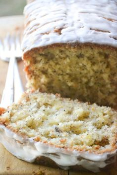 Pineapple Banana coconut bread- this looks delicious for breakfast, dessert or anytime with coffee. Bread Cake, Dessert Bread, Honey Dessert, Bread Food, Bread Baking, Baking Soda, Just Desserts, Delicious Desserts, Yummy Food