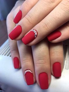 50 Stylish Christmas Nail Colors and How To Do Them Red Gel Nails, Red Nail Art, Fun Nails, Pretty Nails, Acrylic Nails, Pink Nail, Coffin Nails, Red Nail Designs, Christmas Nail Designs