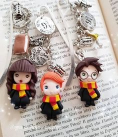 I LOVE these Harry Potter bookmarks!! #affiliate