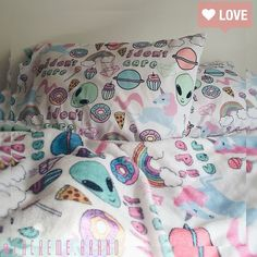 Image about pillow in bedrooms🌸 by evelin on We Heart It