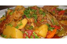 bosanski-lonac – Tito Has – macedonian food Soup Recipes, Great Recipes, Cooking Recipes, Healthy Recipes, Bosnian Recipes, Croatian Recipes, Bosnian Food, Serbian Food, Croatian Cuisine