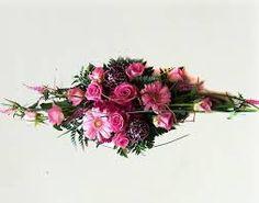 Bilderesultat for borddekorasjon rosa Floral Wreath, Wreaths, Home Decor, Pink, Floral Crown, Decoration Home, Door Wreaths, Room Decor, Deco Mesh Wreaths
