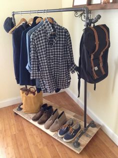 Pipe clothing rack mens fashion in 2019 diy clothes rack, stand alone close Womens Clothing Stores, Plus Size Womens Clothing, Clothes Women, Fashion Clothes, Diy Clothes Rack Pipe, Pipe Furniture, Diy Hanging, Store Design, Industrial Style