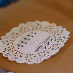 Music notes & doilies on the treat bags