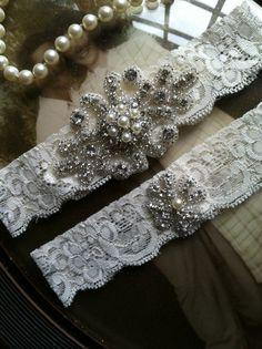 SALEWedding Garter Ivory Lace Garter Set by thehoneybeeshop