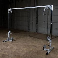 Homemade Gym Equipment, Diy Gym Equipment, Training Equipment, No Equipment Workout, Home Gym Garage, Gym Room At Home, Cable Crossover Machine, Weight Lifting Equipment, Small Home Gyms