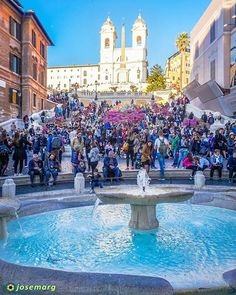 Plaza de España #roma #roma #piazza #rome #italia #piazzaspagna #italy #travelporn #instatraveling #sonya6000 #travelphotographer #travelphotos #travelpic #mytravelgram #traveltheworld #travelpics #travelphoto #travel_captures  #igtravel #travelphotography #travelawesome #instatravel #travell #travelingram #traveler #travelers #travels #traveling #traveller #travel