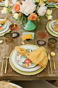 Follow Fashion - How To Set a Stunning Table - Southernliving. Just as gold accessories add an on-trend vibe to an outfit, the warm tones of brushed gold flatware and embellished glasses add finesse and sparkle to a casual table.