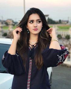 Top 20 Busty Girls Wallpapers of 2019 Beautiful Girl Indian, Most Beautiful Indian Actress, Beautiful Girl Image, Simply Beautiful, Cute Girl Photo, Girl Photo Poses, Girl Photos, Stylish Girls Photos, Stylish Girl Pic