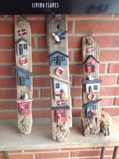 Wood Projects, Projects To Try, Small Wooden House, Easter 2021, Driftwood Art, Little Houses, Creative Crafts, Halloween Kids, Small Gifts