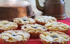 Un cestino di ciliege: Crostatine con Farina di Riso Ricotta e Amarene