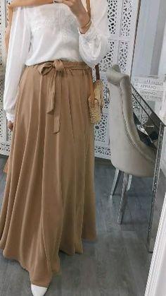 Modest Fashion Hijab, Stylish Hijab, Skirt Fashion, Modern Hijab Fashion, Fashion Dresses, Hijab Fashion Inspiration, Hijab Evening Dress, Muslim Women Fashion, Hijab Trends