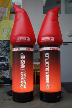 Sie wollen eine klassische aufblasbare Leuchtsäule mit 3D integriertem Logo oder Ihrer Marke? Eine Nachbildung Ihres Produktes oder Firmenmaskottchens ? Was auch immer Ihnen vorschwebt, wir vergrößern es und füllen es mit Luft: Ihr individuelles Produktdesign, Ihr Firmenlogo wird so zum riesigen dreidimensionalen Special MAX! Begriffe: Werbesäule, Lichtsäule, Litfassäule Shops, Drink Bottles, Water Bottle, 3d, Drinks, Company Logo, Product Design, Light Fixtures, Drinking