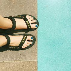 Poolside #TevaDIY. (: @natashajarmick)