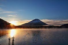 精進湖、日の出