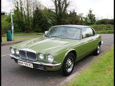 cars british jaguar e type Retro Cars, Vintage Cars, Jaguar Xjc, Automobile, Jaguar Daimler, Xjr, Jaguar E Type, Jaguar Cars, Limousine