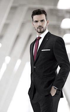 Business Outfit, Business Fashion, Pretty Men, Gorgeous Men, Mens Fashion Suits, Mens Suits, Best Designer Suits, Men's Tuxedo Styles, Outfits Hombre