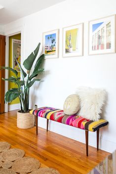 Boho Chic Bedroom, Chic Living Room, Home Living Room, Living Room Decor, Bedroom Themes, Bedroom Decor, Multipurpose Guest Room, Southwest Home Decor, Modern Foyer